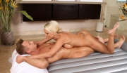 hot-nuru-masseuse