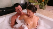 nuro-massage-nuru-masseuse
