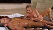 nuru-oily-massage