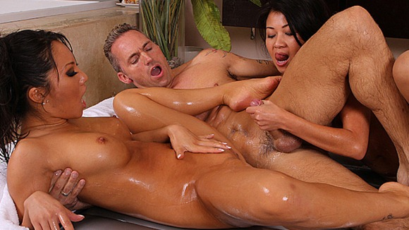 two-horny-asians-giving-nuru-massage